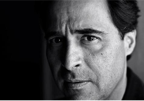 José Eduardo Agualusa featured at Livraria Lello