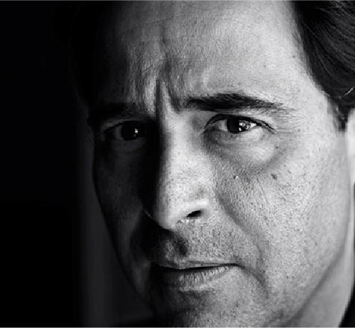 José Eduardo Agualusa em destaque na Livraria Lello